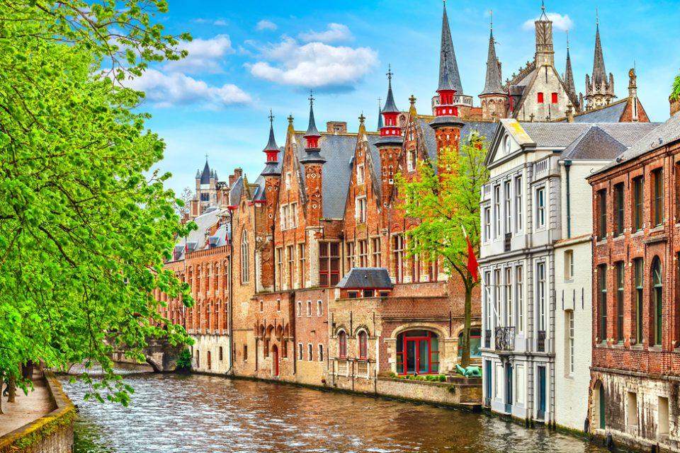 Bélgica: Becas Para Master en Cualquier curso de asignaturas ofrecido por la universidad Ghent University